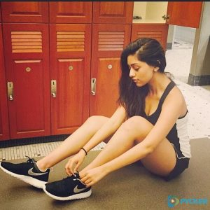 Anu is getting ready to do her workouts